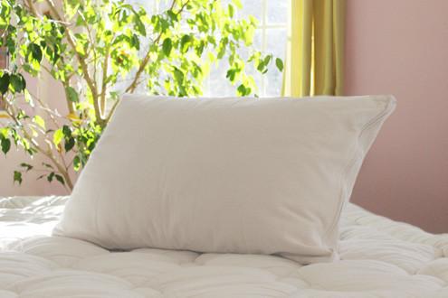 wool latex pillow savvyrest.jpg