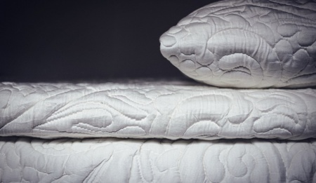 3 true pillow topposh+lavish